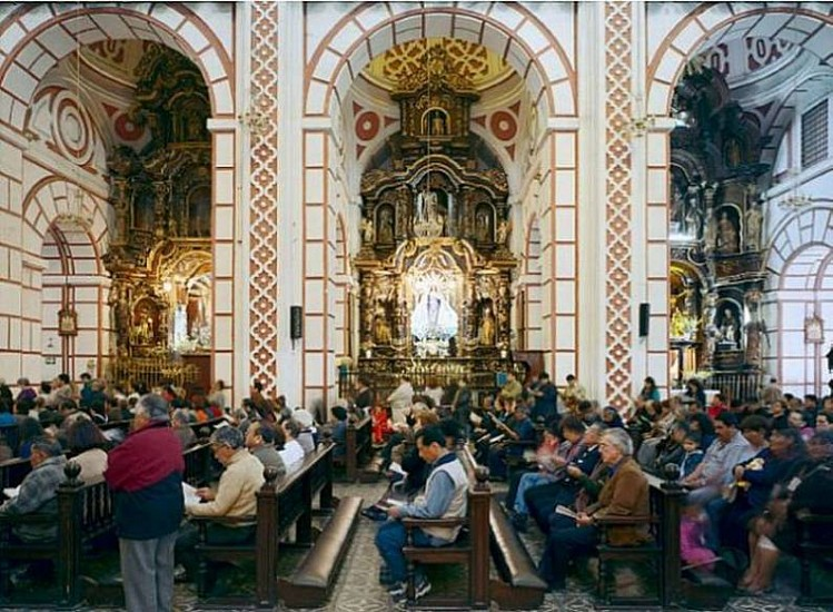 Thomas Struth, Iglesia de San Francisco, Lima, Peru 2003, Chromogenic print (color)